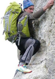 The front balance packs can be resited to allow climbing steep slopes